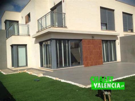 Alquiler o venta pareado esquinero en Montesano
