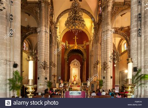 Altar of Old Basilica of Our Lady of Guadalupe, Mexico ...