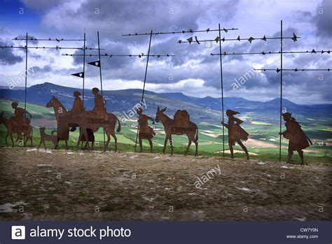 Alto del Perdon and the wrought iron sculpture of medieval ...