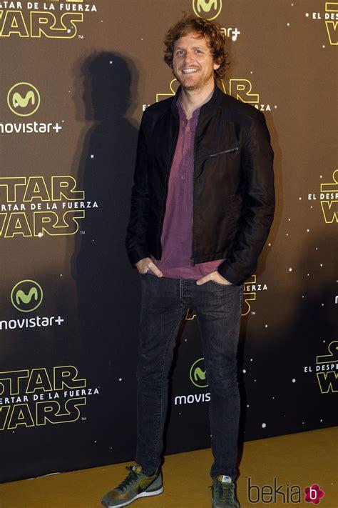 Álvaro de la Lama en el estreno de  Star Wars: El ...