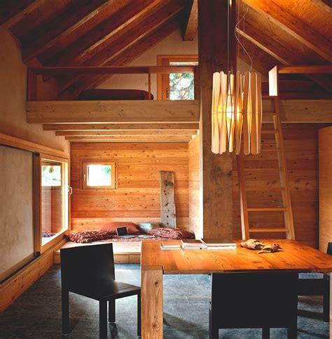 Amueblar y decorar una casa en la montaña