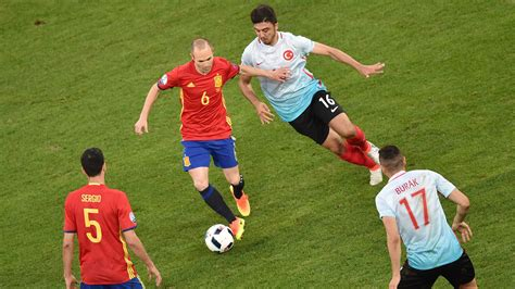 An artist in an age of athletes   Iniesta is Spain s ...