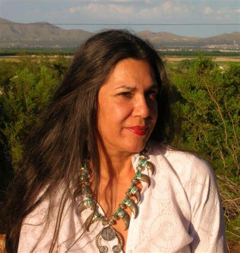 Ana Castillo - Wikipedia