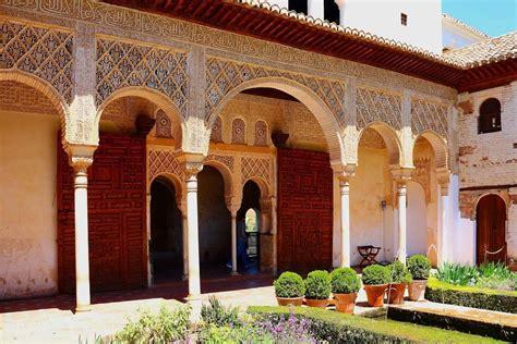 Andalucía Valencia  Bus + Ave  – PaseosMadrid.com