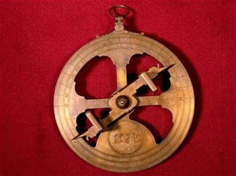 Andanzas de un Náufrago: Astrolabio