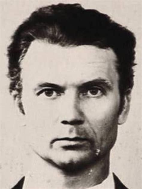 Andrei Chikatilo  El Carnicero de Rostov  | Grotesque and ...