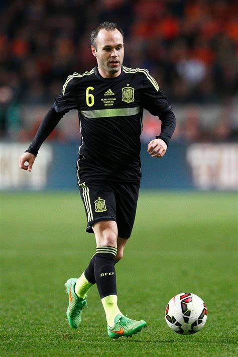 Andres Iniesta Photos Photos - Netherlands v Spain ...