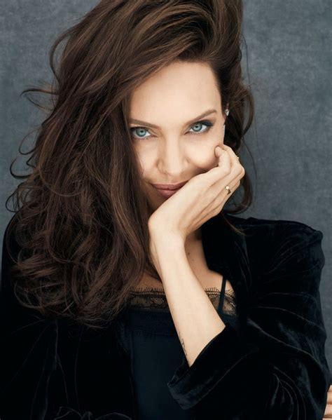 Angelina Jolie fala da parceria com a marca de perfumes ...