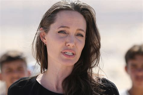 Angelina Jolie makes plea for US to welcome refugees ...