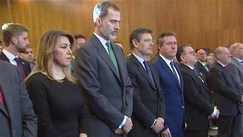 ANTENA 3 TV | El Rey Felipe VI guarda un minuto de ...