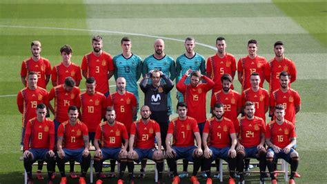 ANTENA 3 TV | La selección española posa con la camiseta ...