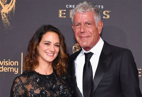 Anthony Bourdain cooks for girlfriend Asia Argento and ...