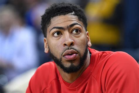 Anthony Davis left scrimmage early with injury, should be fine