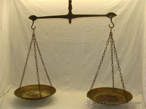 antigua balanza de brazo de dos platos en latón   Comprar ...