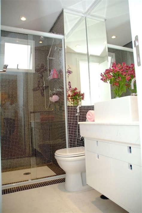 Apartamento decorado pequeno ganha funcionalidade.