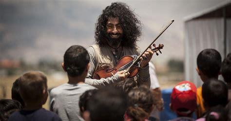 Ara Malikian con Acción contra el Hambre y refugiados sirios