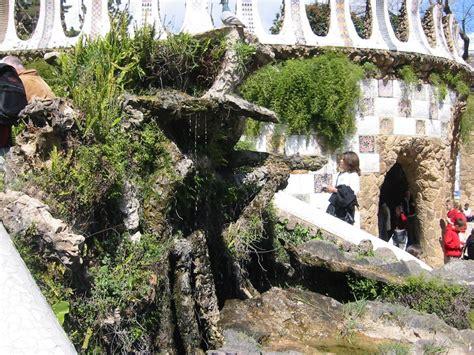 Archivo:Parc Guell 02.jpg   Wikipedia, la enciclopedia libre