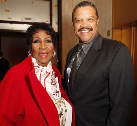 Aretha Franklin announces her engagement to her longtime ...