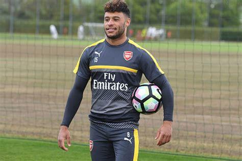 Arsenal transfer news: Alex Oxlade Chamberlain set to snub ...