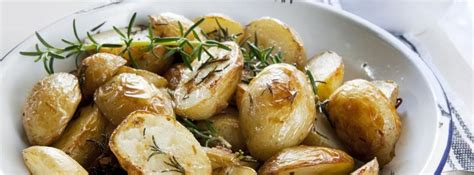 Asar patatas en el microondas  canalHOGAR