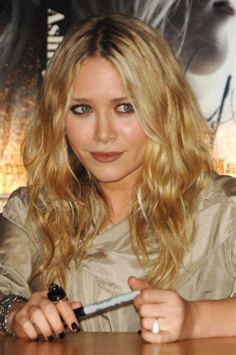 Ashley Olsen Clothes & Outfits | Steal Her Style