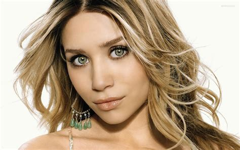 Ashley Olsen Wallpapers Images Photos Pictures Backgrounds