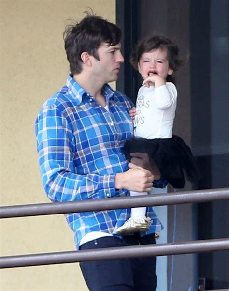 Ashton Kutcher And Mila Kunis Take Wyatt To Dance Class ...