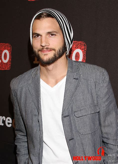Ashton Kutcher Biography| Profile| Pictures| News