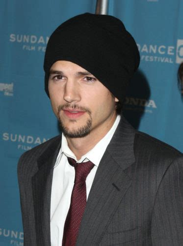 Ashton Kutcher Height Weight Age Biceps Size Body Stats