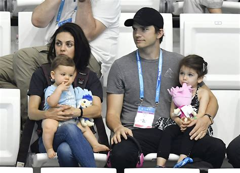 Ashton Kutcher & Mila Kunis  Son Wears That  70s Show ...