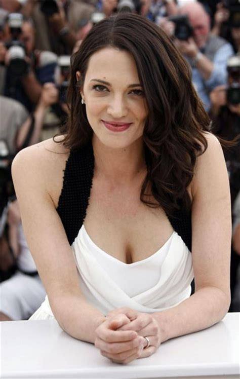 Asia Argento Bra Size, Age, Weight, Height, Measurements ...