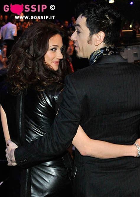 Asia Argento e Morgan abbracciati   Foto e Gossip