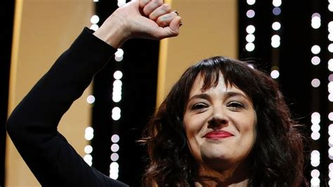 Asia Argento gives passionate speech against Harvey ...