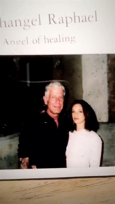 Asia Argento Posts Sweet Selfie Remembering Anthony ...
