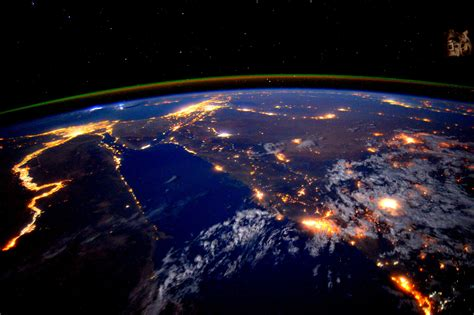Astronaut Scott Kelly Views the Nile at Night from the ...