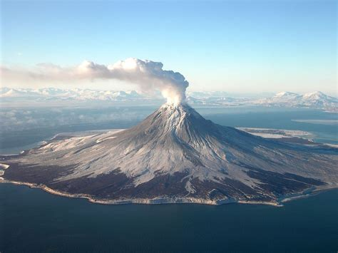 Augustine Volcano - Wikipedia
