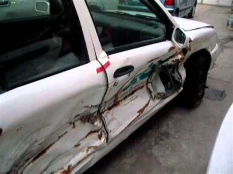 AutoComercia Tsuru 2010 autos chocados   YouTube