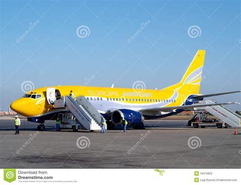 Aviones Comerciales Foto de archivo editorial   Imagen ...