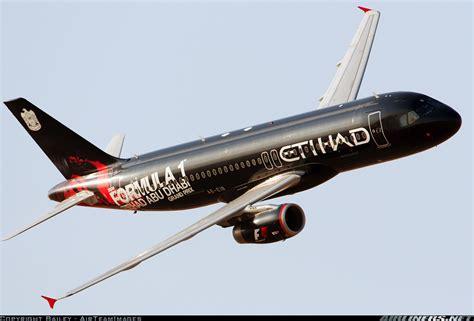 Aviones con esquemas de pintura  diferentes    Imágenes ...