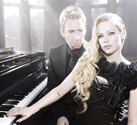 Avril Lavigne Accuses Facebook CEO Mark Zuckerberg of ...