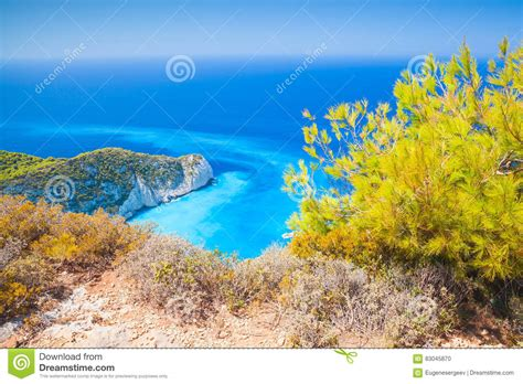 Bahía De Navagio, Grecia, Paisaje Costero Del Verano Foto ...