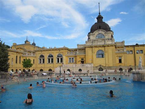 Balnearios en Budapest, baños termales Gellert y Széchenyi ...