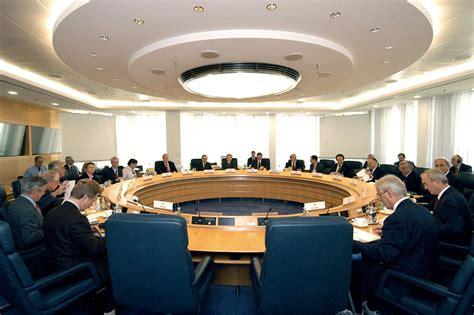 Banca centrale - Wikipedia
