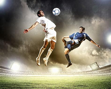 BANCO DE IMÁGENES: Jugadores de fútbol soccer practicando ...
