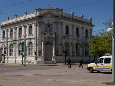 Banco Provincia de Buenos Aires sucursal Lincoln, Lincoln ...