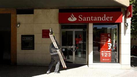 Banco Santander ofrece salidas con el 80% del sueldo a los ...