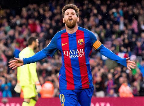 Barcelona News: Lionel Messi REJECTS enormous new contract ...