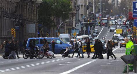 Barcelona tancarà 58 carrers al trànsit en el dia sense ...