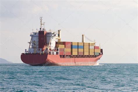 barco contenedores — Foto de stock © EvrenKalinbacak #53409603