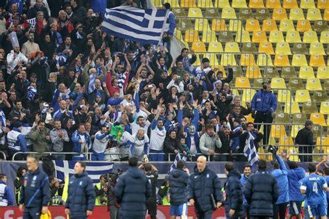 Batacazo en el Soccer City - Grecia y Rumanía empataron a ...